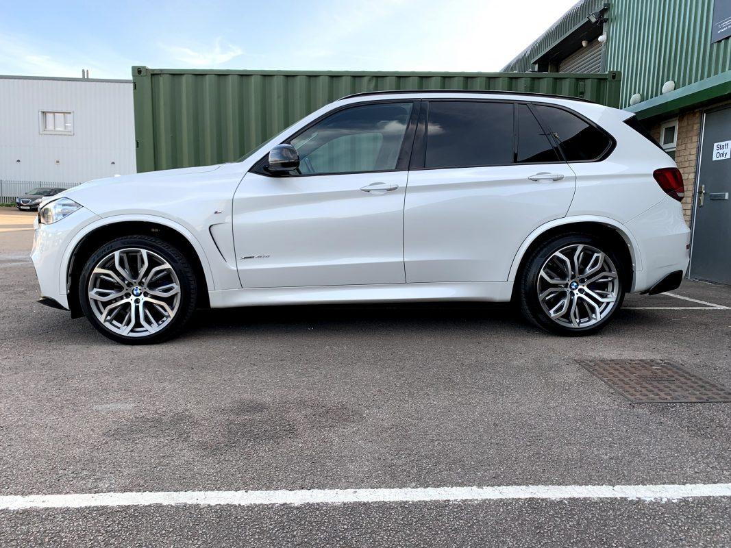 BMW F15 CARBON FIBER Side White